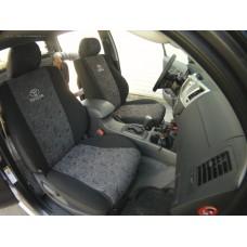 Toyota Hilux /комплект авточехлов/